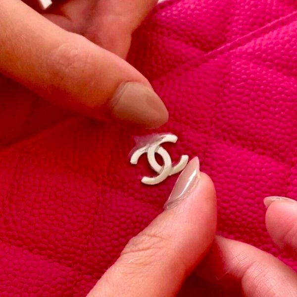 Chanel WOC Wallet On Chain Bag Hardware CC Clear Protectors to Stop Scratches handbagholic putting on