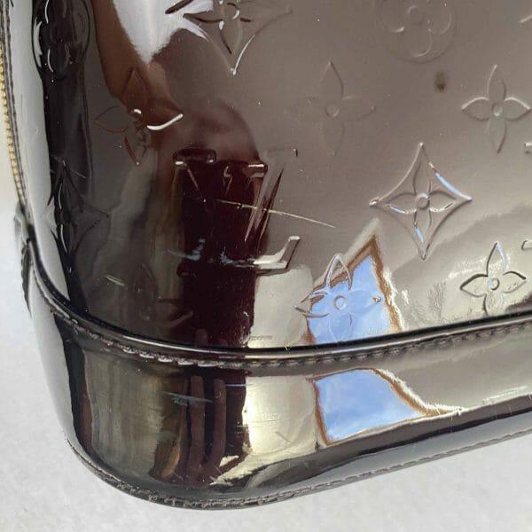 Louis Vuitton Alma GM Large Amarante Vernis Leather bottom corner