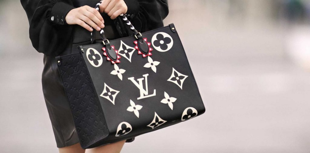 Limited-Edition-Louis-Vuitton-black-OnTheGo-tote-bag-2020-Crafty-Collection-Review-Handbagholic