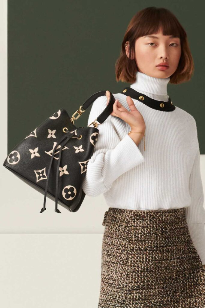 Louis Vuitton LV NeoNoe Bucket Bag Review black leather white monogram print handbagholic