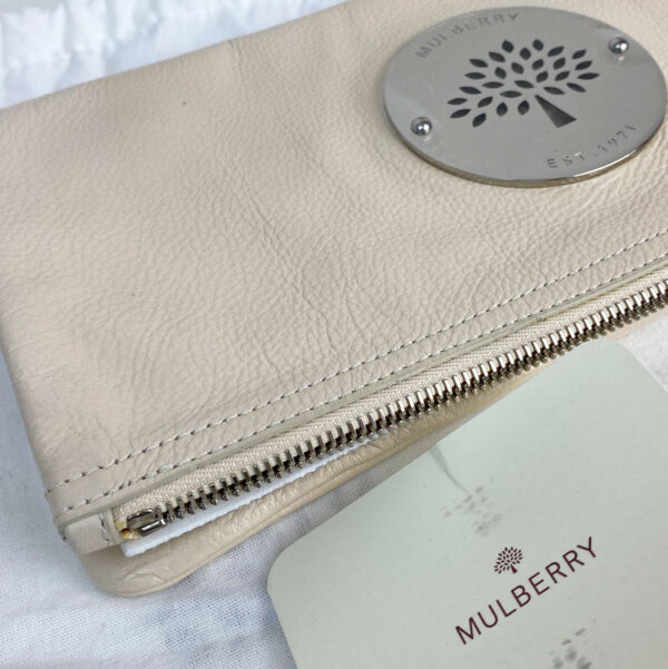 Mulberry Pear Sorbet Daria Clutch Bag Leather Beige Cream Silver Hardware corner