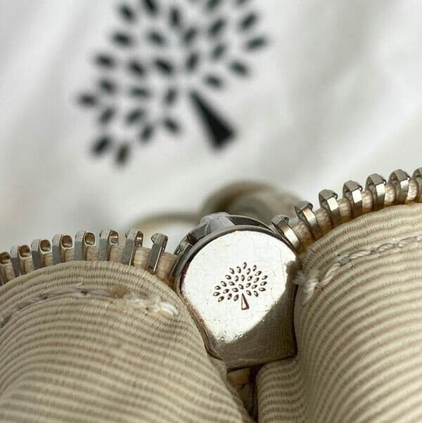 Mulberry Pear Sorbet Daria Clutch Bag Leather Beige Cream Silver Hardware inner zipper