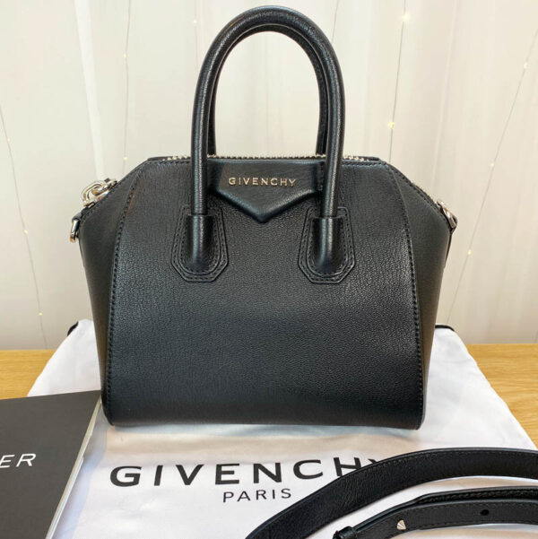 Givenchy antigona mini consignment Emma black calf leather